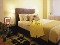 Спальня в ярких цветах — 81 фото новинка красивого оформления интерьера!