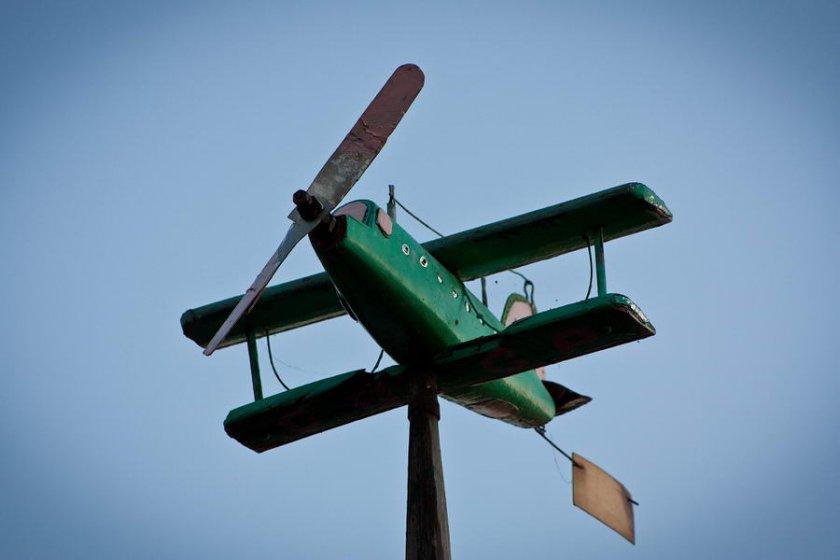 Флюгер самолёт из дерева своими руками