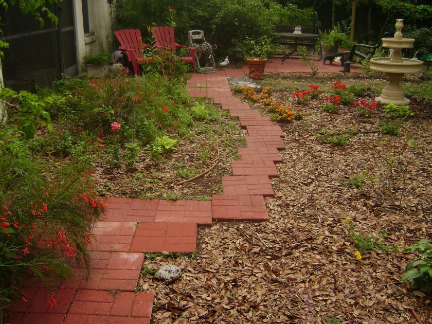 Плитка на садовые дорожки своими руками 57