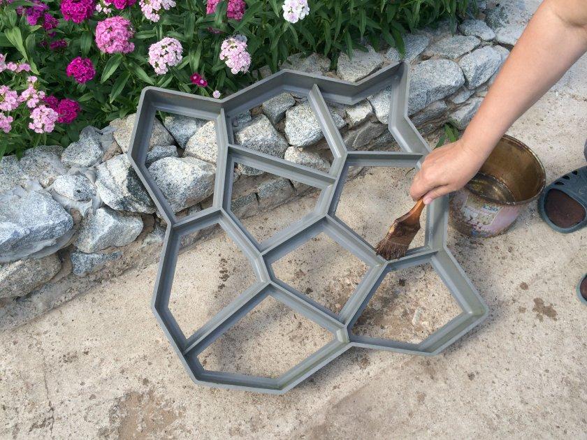 Изготовление садовых дорожек своими руками форма 211