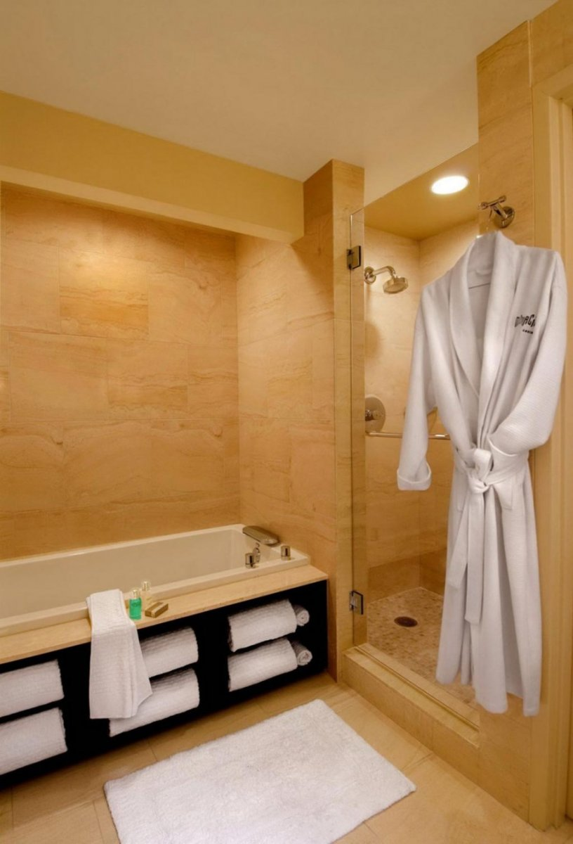 Как обустроить пространство под ванной
