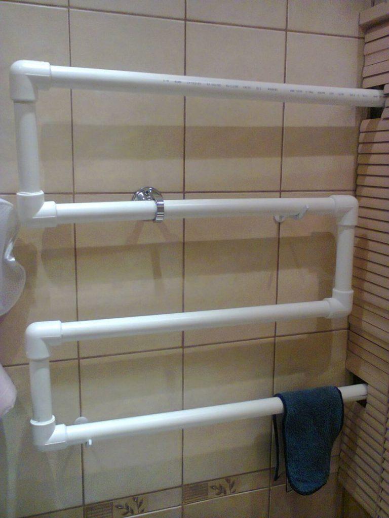 Как самому сделать полотенцесушитель из пластиковых труб 106