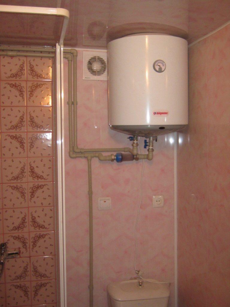 Установка водонагревателя в ванной комнате своими руками 96