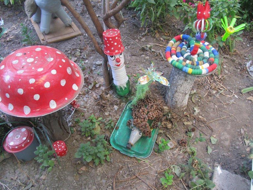 Как сделать грибы из пластиковых бутылок