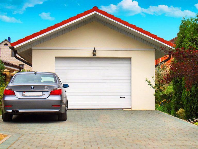 неавтоматические секционные ворота для строительства гаража