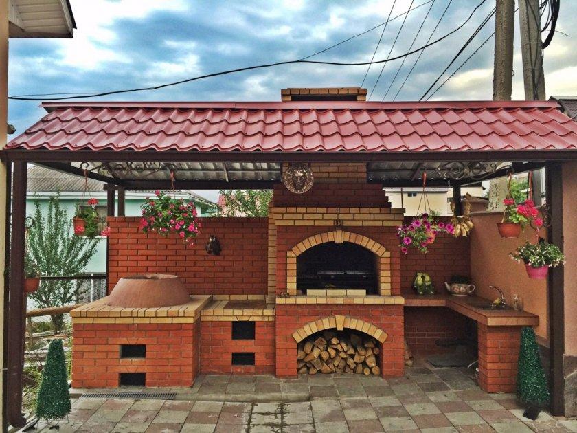 Уличная кухня камин барбекю мангал и печь на даче 20 фото